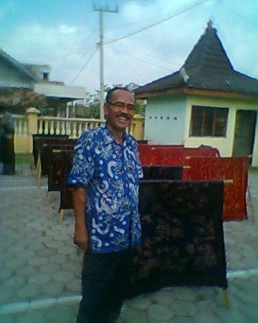Pakar dan Pelaku Usaha Batik Tulis Sendang